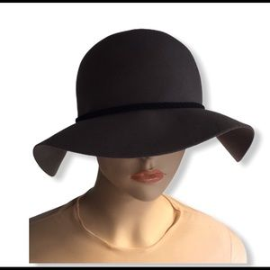 Olive and Pique Fedora hat. Size 57-58